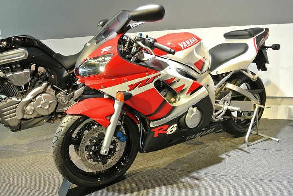 YZF-R6 1