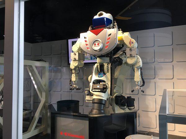 神戸 カワサキワールド 神戸海洋博物館 パフォーマンスロボット 1